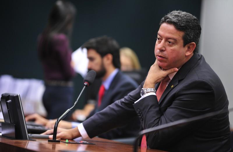Parlamentar alagoano defendeu trocas em pastas ocupadas pelo PSDB