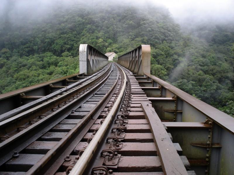 Atualmente, a ferrovia tem um único trecho de 720 km em operação, entre Açailândia, no Maranhão, e Palmas, no Tocantins