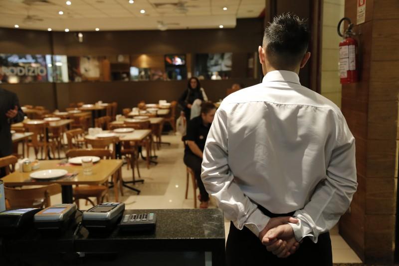 Representantes dos setores de comércio e serviços enxergam piora do cenário nos últimos meses
