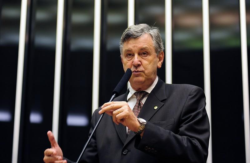 Entre as traições inesperadas está o gaúcho Luiz Carlos Heinze