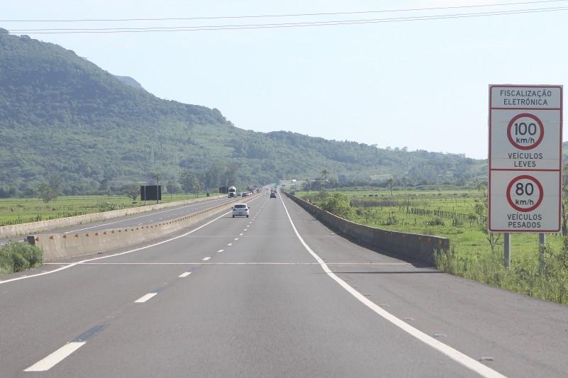 Atualmente, todos os trechos da rodovia que atravessa o País levam o nome de Mário Covas