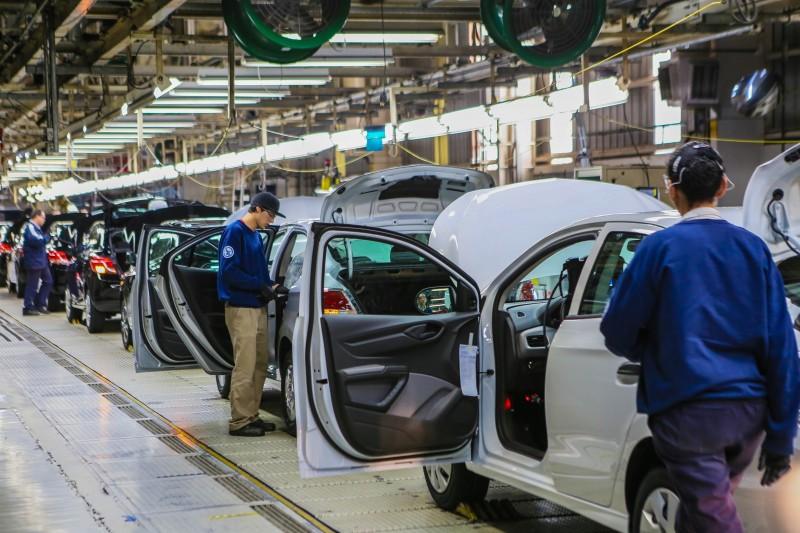 Desempenho do segmento de veículos automotores recuou 23,3%
