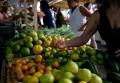 Inflação da baixa renda cai 0,01% em fevereiro, revela FGV
