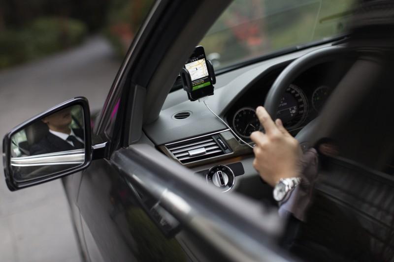 Uber aposta em carros e atendimento diferenciados para conquistar usuários