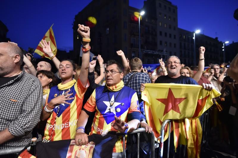 Apoiadores da independência celebraram resultado em Barcelona
