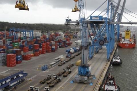 Expectativa é de que exportações voltem a crescer apenas em 2016