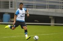 Contra o Santos, Tricolor deve contar com o retorno do volante Maicon