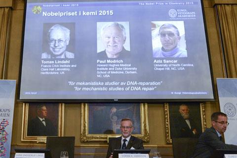 Thomas Lindalh, Paul Modrich e Aziz Sancar foram premiados