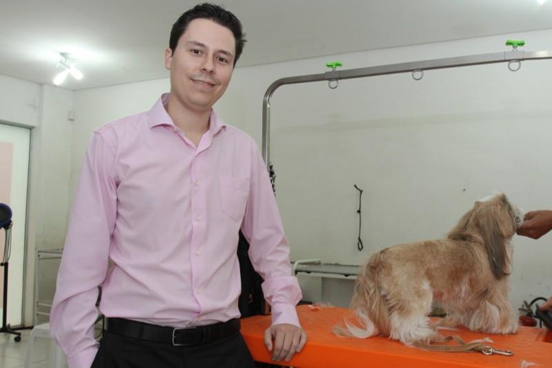 Proprietário de uma petshop, Sant'anna adquiriu um seguro específico para esse tipo de negócio
