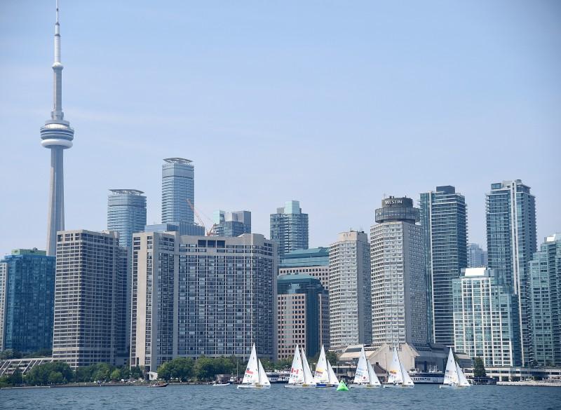 Cidade de Toronto é um dos lugares mais procurados por brasileiros que buscam melhorar de vida