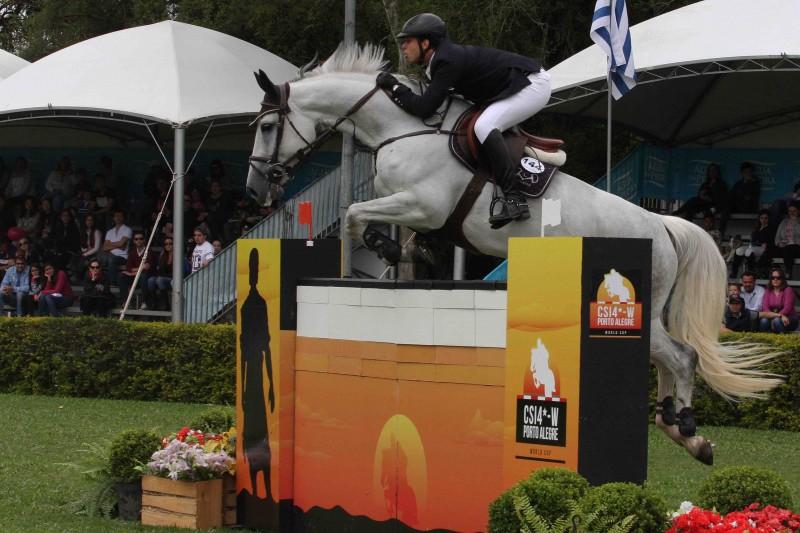 Cavaleiro, montando Ariness Vant Wolferink já havia vencido em 2011