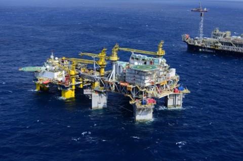 Petróleo fecha em alta de mais de 4%; WTI volta a US$ 40