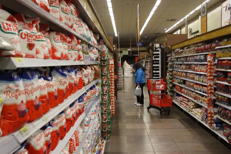 O grupo Alimentação e Bebidas registrou aumento de preços de 0,90% em janeiro