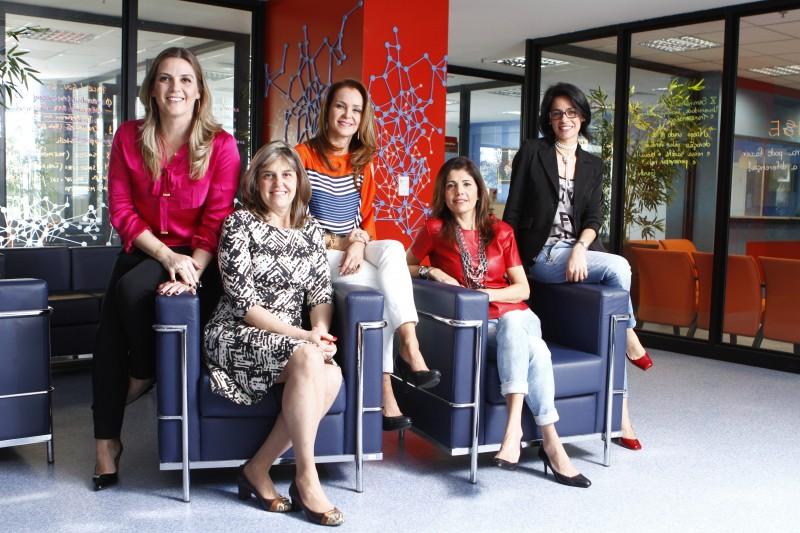 Mulheres servem de inspiração para ajudar novas representantes do sexo feminino a se interessar pelo setor.
