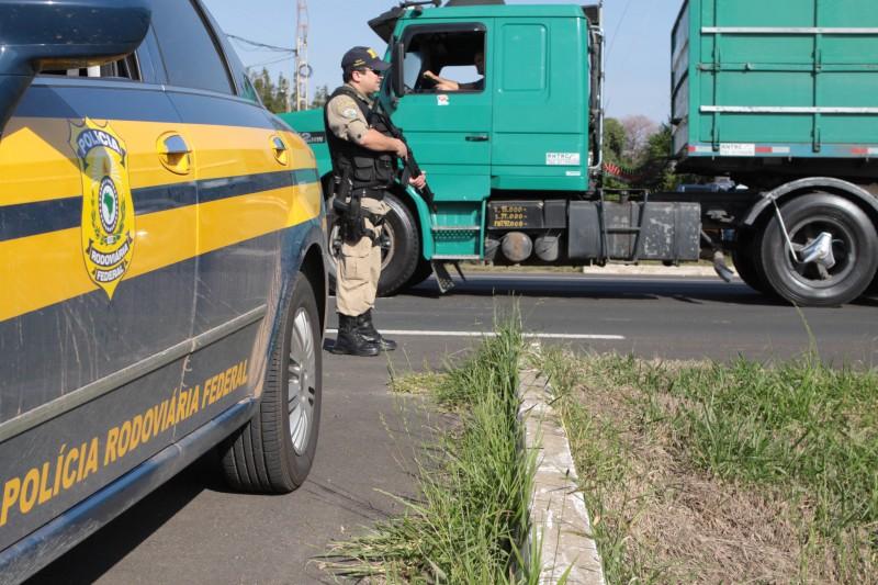 Projeto da Polícia Rodoviária Federal quer integrar fiscalização com outras áreas de atuação pública