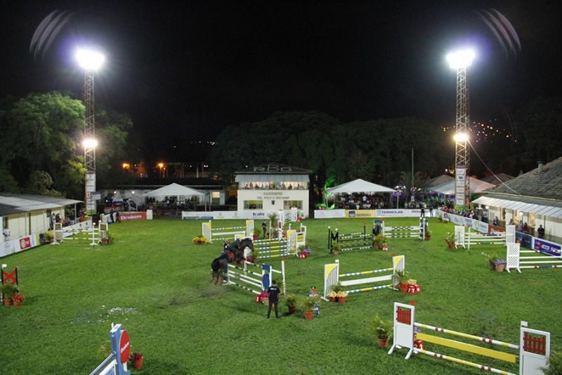 O Festival Hípico Noturno é hoje o evento hípico mais antigo do Brasil