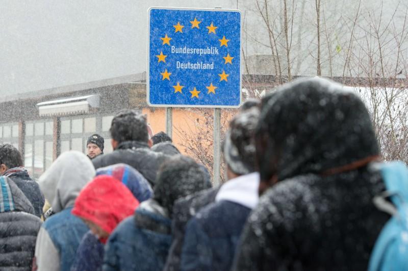 Governo analisa pistas que possam indicar algo suspeito nos imigrantes