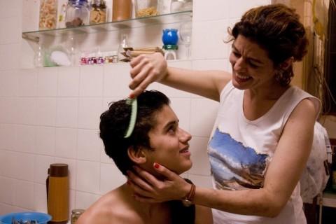Matheus Fagundes e Gilda Nomacce protagonizam Ausência