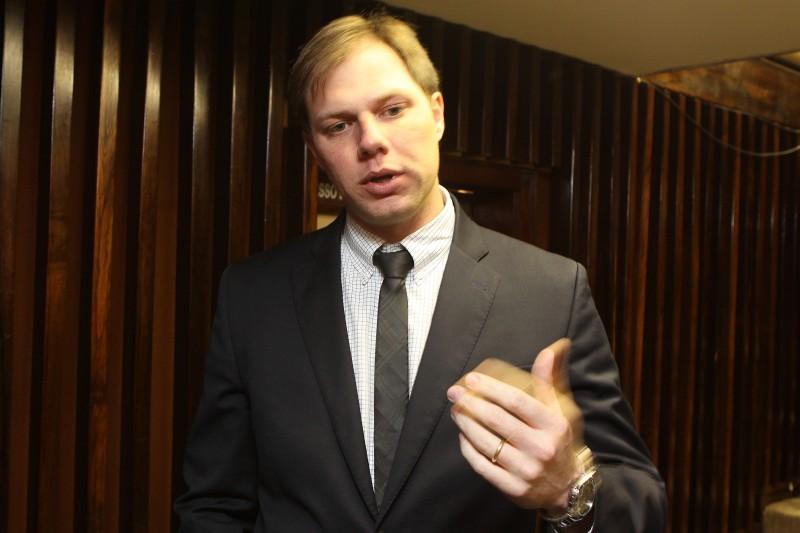 Falta dos complexos trará dificuldades no fornecimento, diz Redecker