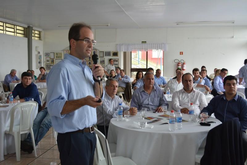 ECONOMIA Foton Aumark Brasil fábrica Guaíba Ricardo Mendonça de Barros diretor comercial Crédito Foto Civa Silveira Divulgação prefeitura Guaíba