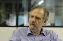 """""""Eduardo Cunha tenta rasgar nossa história, apoiando esta aventura golpista"""""""
