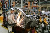 Medida permite a redução de até 30% na jornada e nos salários por empresas com dificuldades financeiras