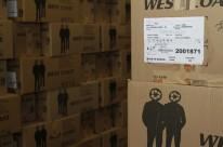 Sistema burocrático barrava a entrada de diversos produtos estrangeiros, como calçados