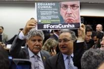Deputados defendem que Eduardo Cunha deixe presidência da Casa