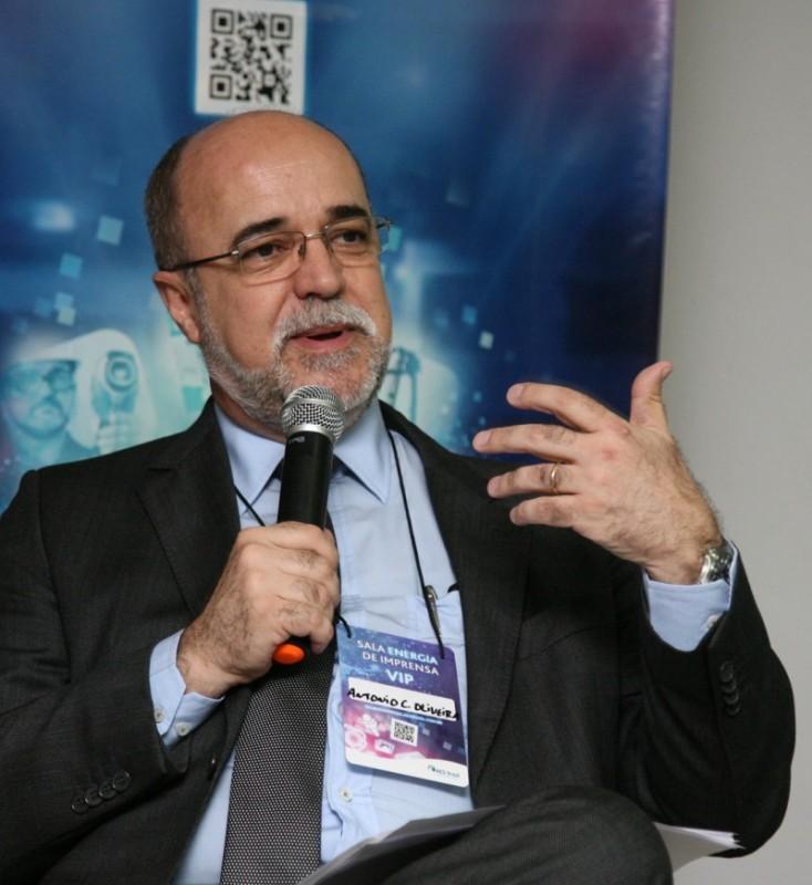 Empresa deve investir R$ 565 mi nos próximos dois anos, diz Oliveira