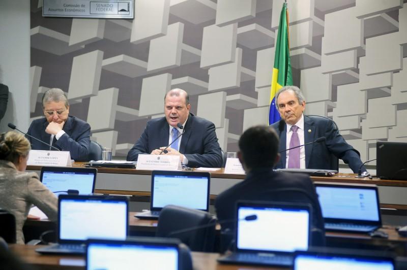 Alexandre Tombini participou de audiência pública ontem no Senado
