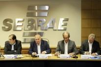 Sperotto (2º à esquerda) destacou o trabalho da entidade no Estado