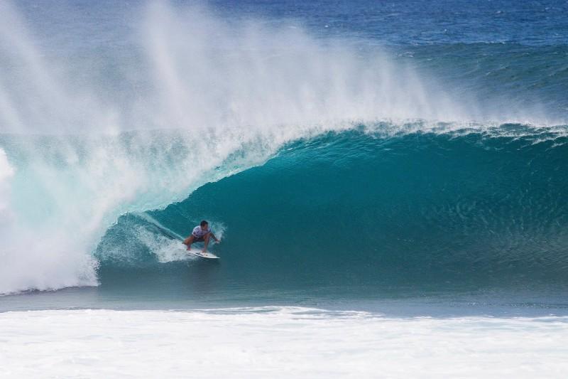 Aos 28 anos, surfista mantém a supremacia do País no esporte após o título de Medina em 2014