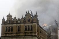 Incêndio atingiu o Museu da Língua Portuguesa na tarde desta segunda-feira (21)