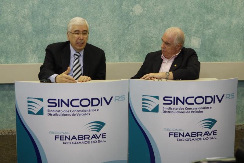 Fleury Filho (e) e Esbroglio falaram sobre o mercado de automóveis