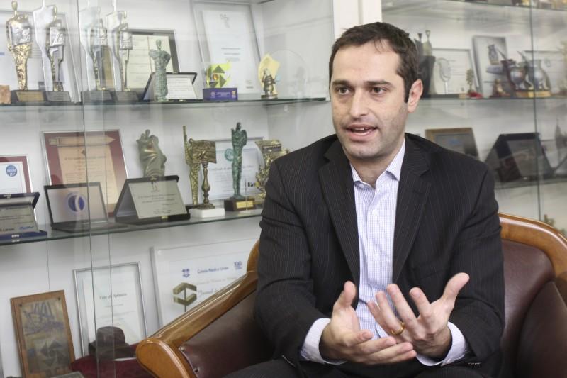 Empresas têm optado pela fusão de áreas, explica Poziomczyk