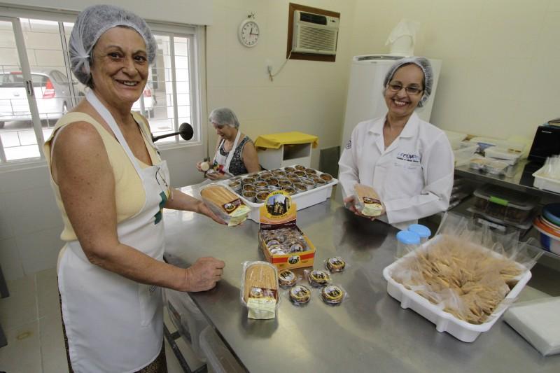 Iara Ducceschi, da Dolce Vita Comércio de Alimentos, tem panificadora