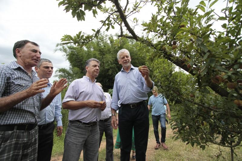 Solenidade, na zona Sul da Capital, contou com a presença do prefeito José Fortunati (d)