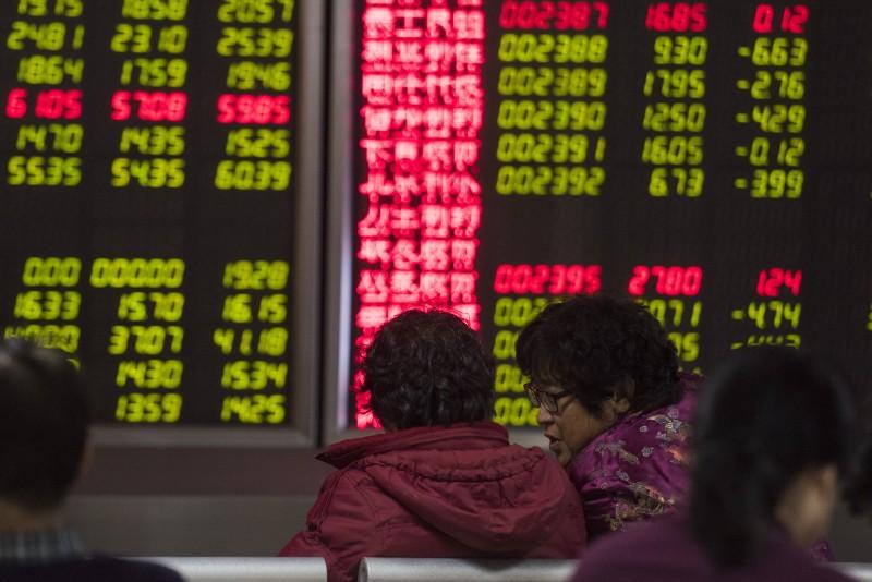 Na China, o Xangai Composto recuou aos 3362.33 pontos