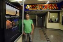 Entrevista com Luiz Carlos, administrador do Cine Victoria na Avenida Borges de Medeiros, que reabriu na última sexta-feira.