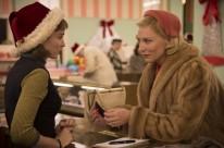 Rooney Mara, à esquerda, na primeira interação com Cate Blanchett, em Carol