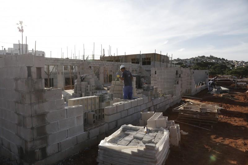 Habitação, saneamento e infraestrutura perdem R$ 1,5 bilhão do orçamento do FGTS