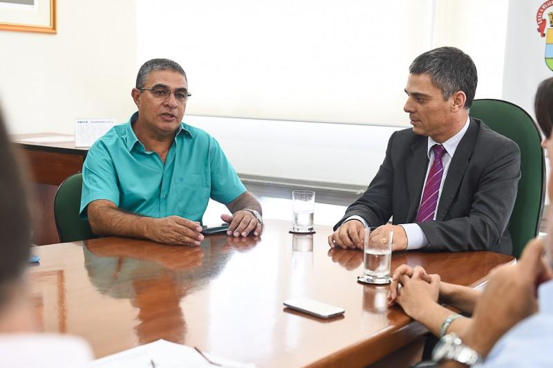 Roberto Kraid Pereira foi apresentado pelo presidente da Câmara, vereador Cássio Trogildo
