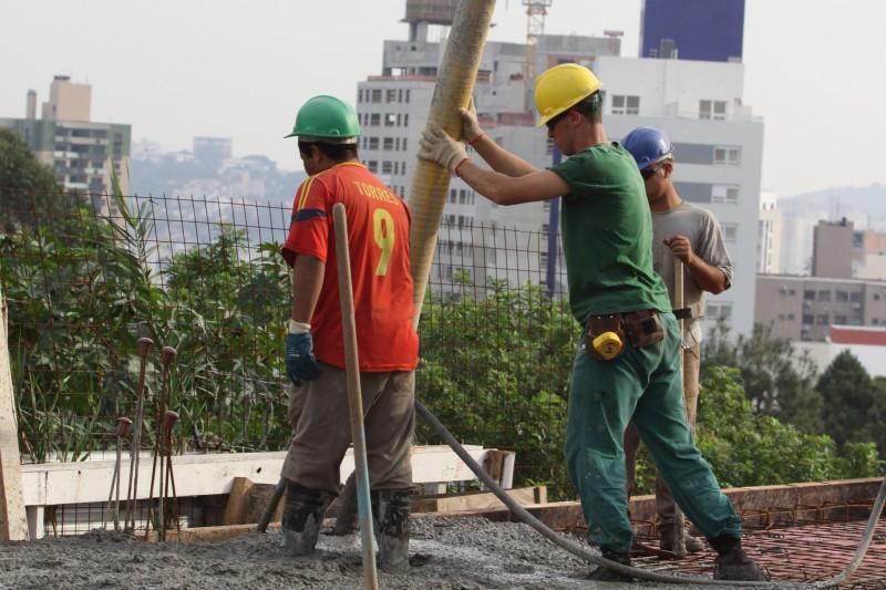 Custo da mão de obra na construção subiu menos no período