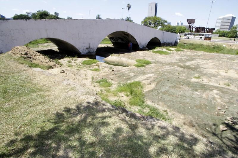 Principais problemas da estrutura de 168 anos estão nas abóbodas e tijolos, danificados pela água