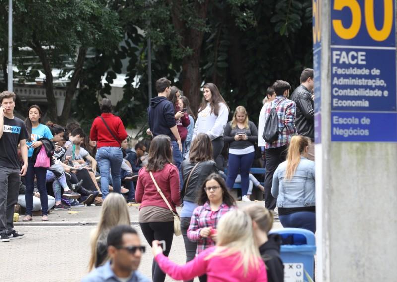 Os estudantes têm até o dia 22 para se inscrever e concorrer a uma bolsa de estudo em instituições privadas