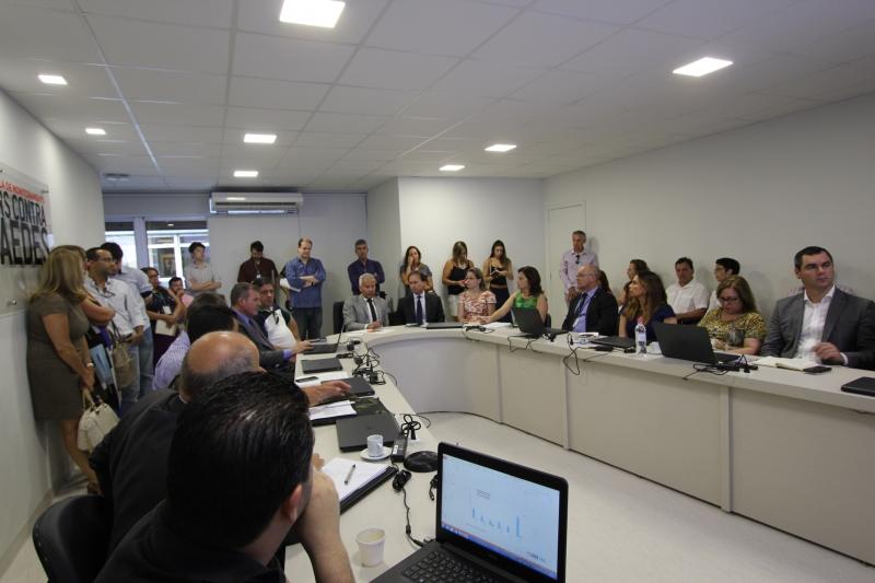 Grupo analisa o boletim epidemiológico