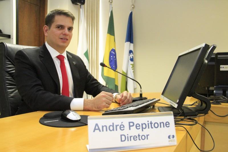 Consumidor deixará de pagar R$ 4,50 e passa a pagar R$ 3,00 a cada 100 kWh, explica Pepitone