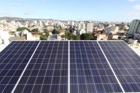 'Taxa do Sol' emperra debate sobre fim de subsídio da luz