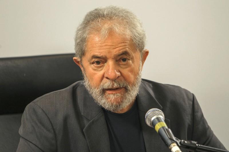 Força-tarefa não cita Lula, mas tenta descobrir se OAS o beneficiou