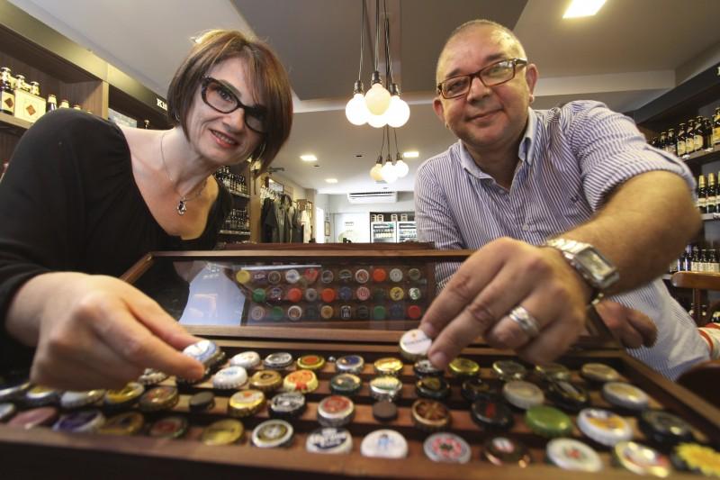 Pensando em cervejeiros e colecionadores, Dóris Fialcoff e João Carlos Valentim  idealizaram a Querida Cerveja